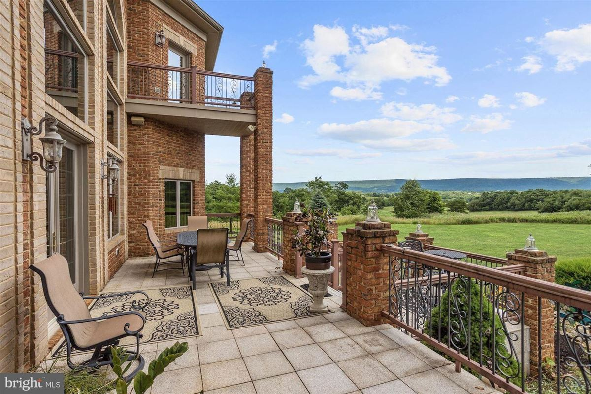 Mansions in stunning property Situated perfectly on 1.6 acres