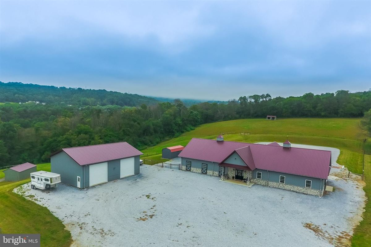 Luxury properties country estate beautifully sited on 41 acres