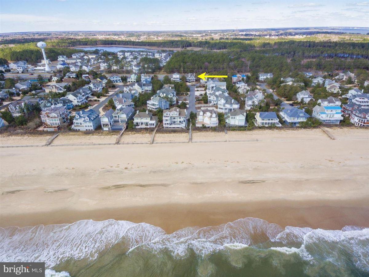 stunning oceanside gated community luxury properties