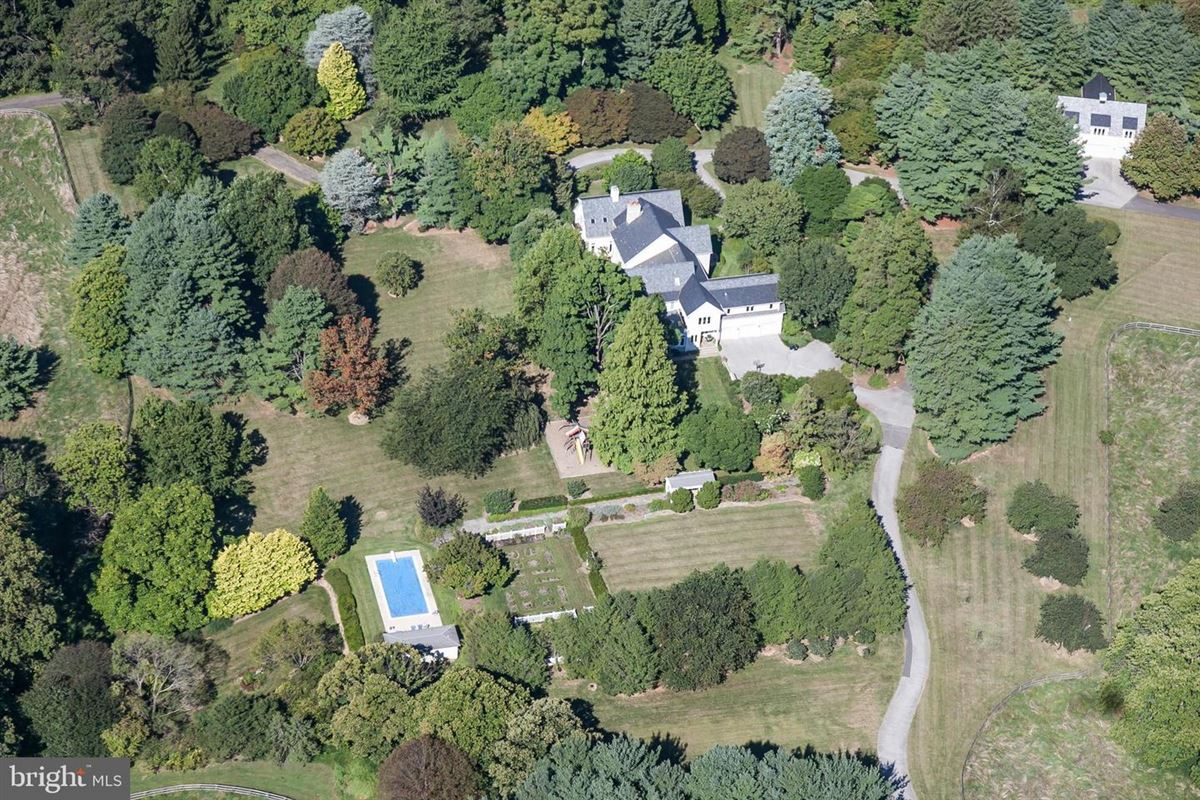 a truly magnificent estate in a premium location  luxury properties