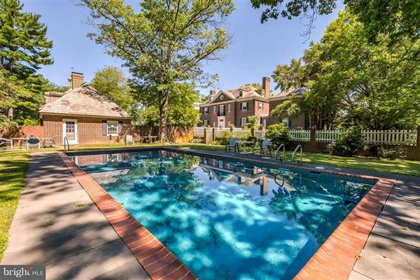 Luxury homes in Brandonwood