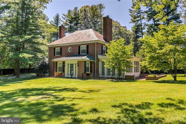 Mansions in Brandonwood