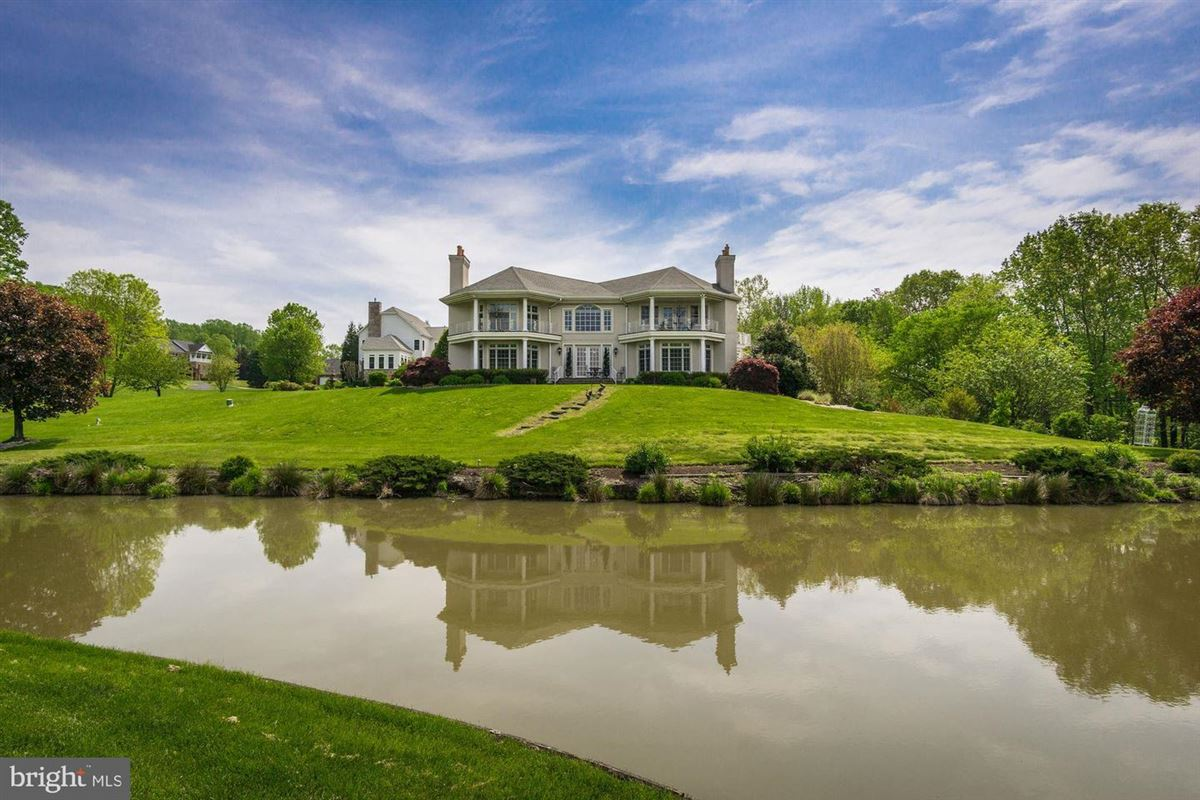 Luxury homes dramatic custom home in Old South Country Club