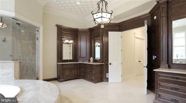 Mansions in master craftsmanship