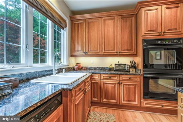 Luxury homes in estate-caliber property with no expense spared