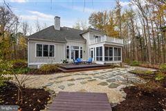 Mansions six acres along Chesapeake Bay