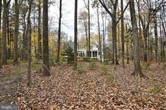 Luxury homes in six acres along Chesapeake Bay