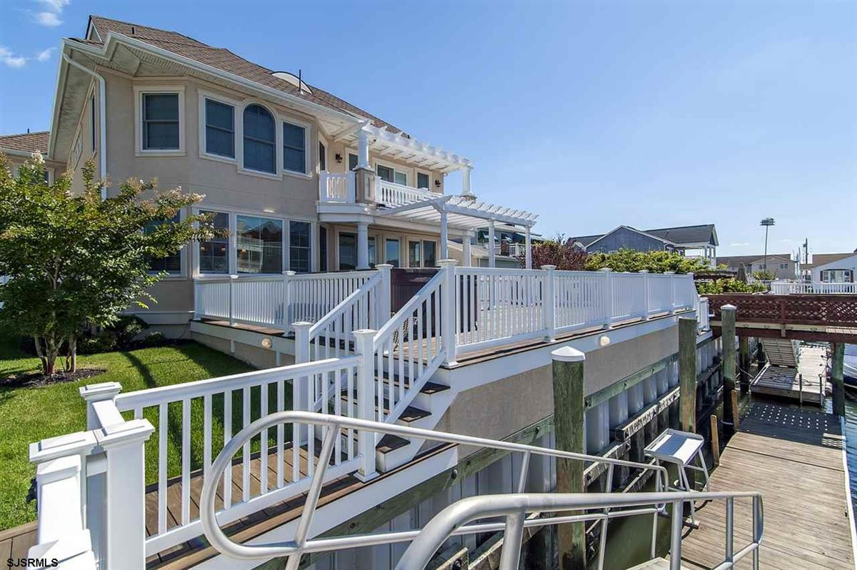 Fabulous custom built lagoon-front home luxury homes
