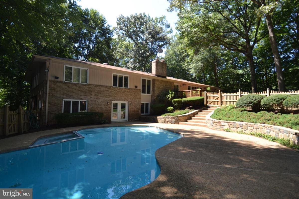 A Great Falls Gem luxury properties