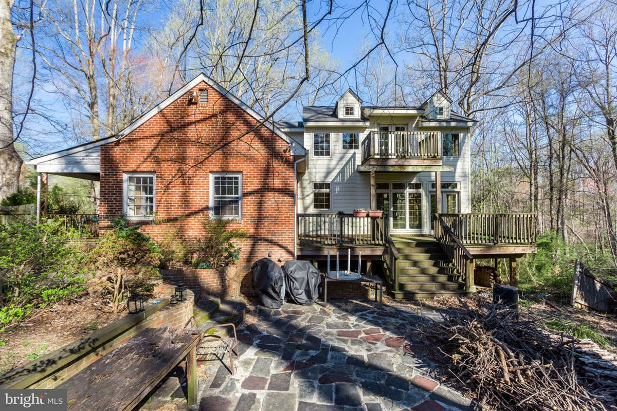 Luxury homes two acres in convenient location