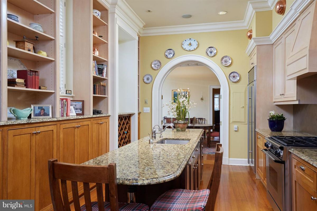 Exceptional Historic Town Home Elegance luxury properties