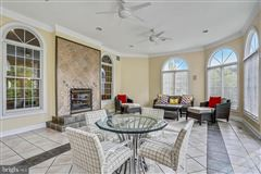 Mansions upscale home with Top of the line everything