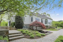 upscale home with Top of the line everything luxury homes