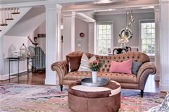 Luxury homes Unbelievably charming
