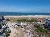 pristine oversized oceanfront lot mansions
