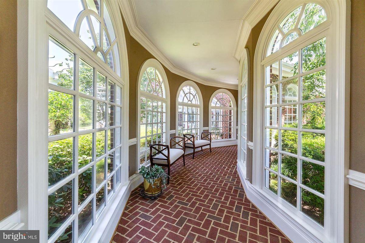 EAGLECREST - magnificent 140-acre estate mansions