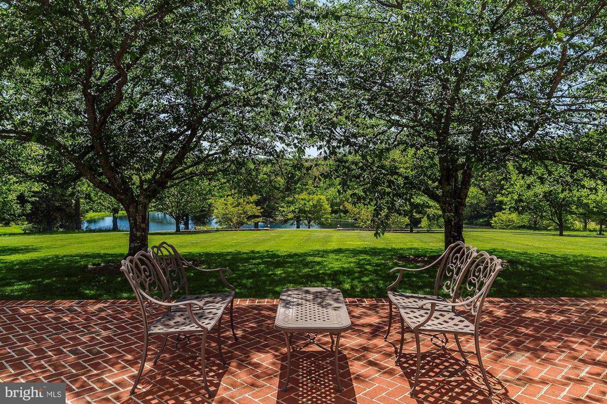 Luxury real estate EAGLECREST - magnificent 140-acre estate