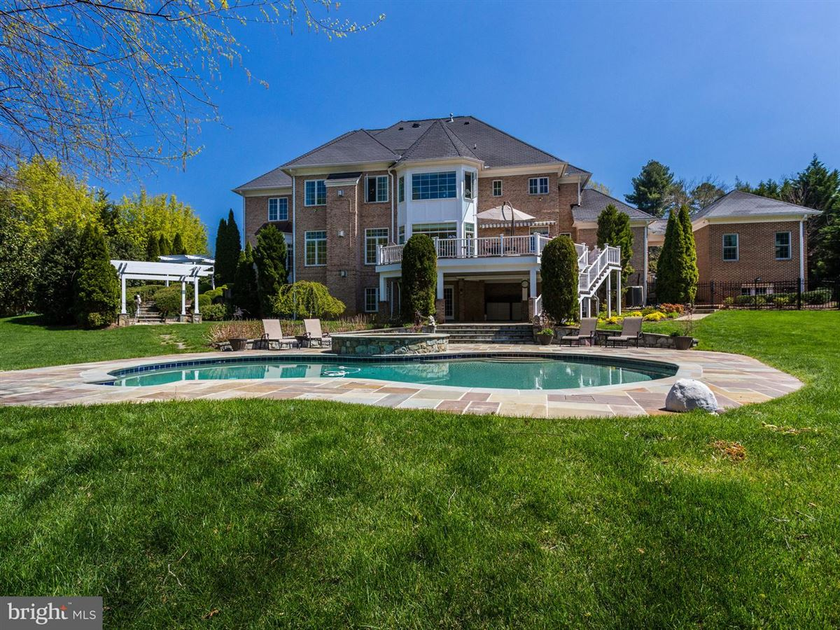 Mansions magnificet gated estate beautifully appointed