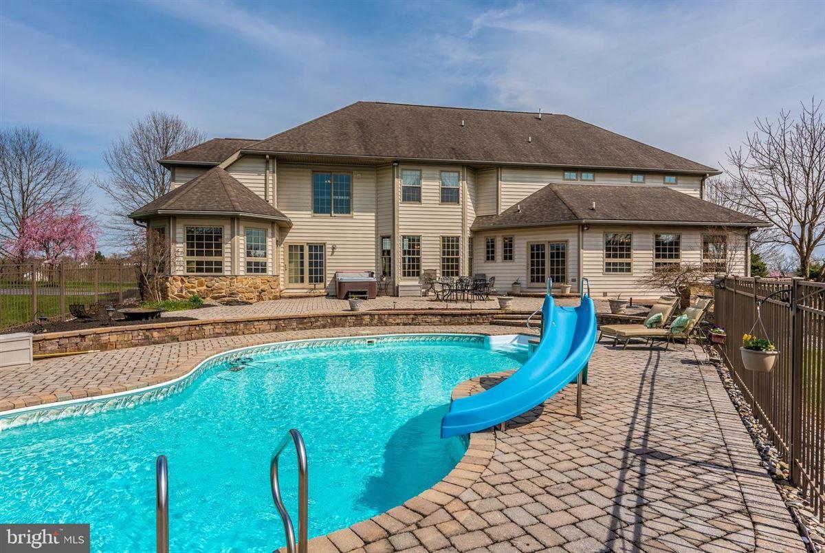 Mansions in dream oasis of 25-plus acres