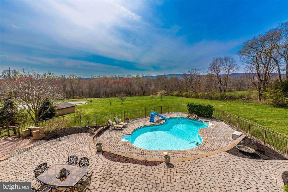 Luxury real estate dream oasis of 25-plus acres