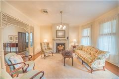 Luxury homes SPECTACULAR MUST SEE PROPERTY