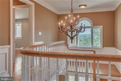 beautiful custom home full of upgrades luxury properties