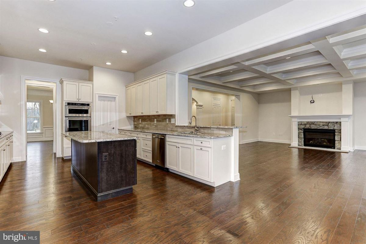Luxury homes exceptional new home on three acres