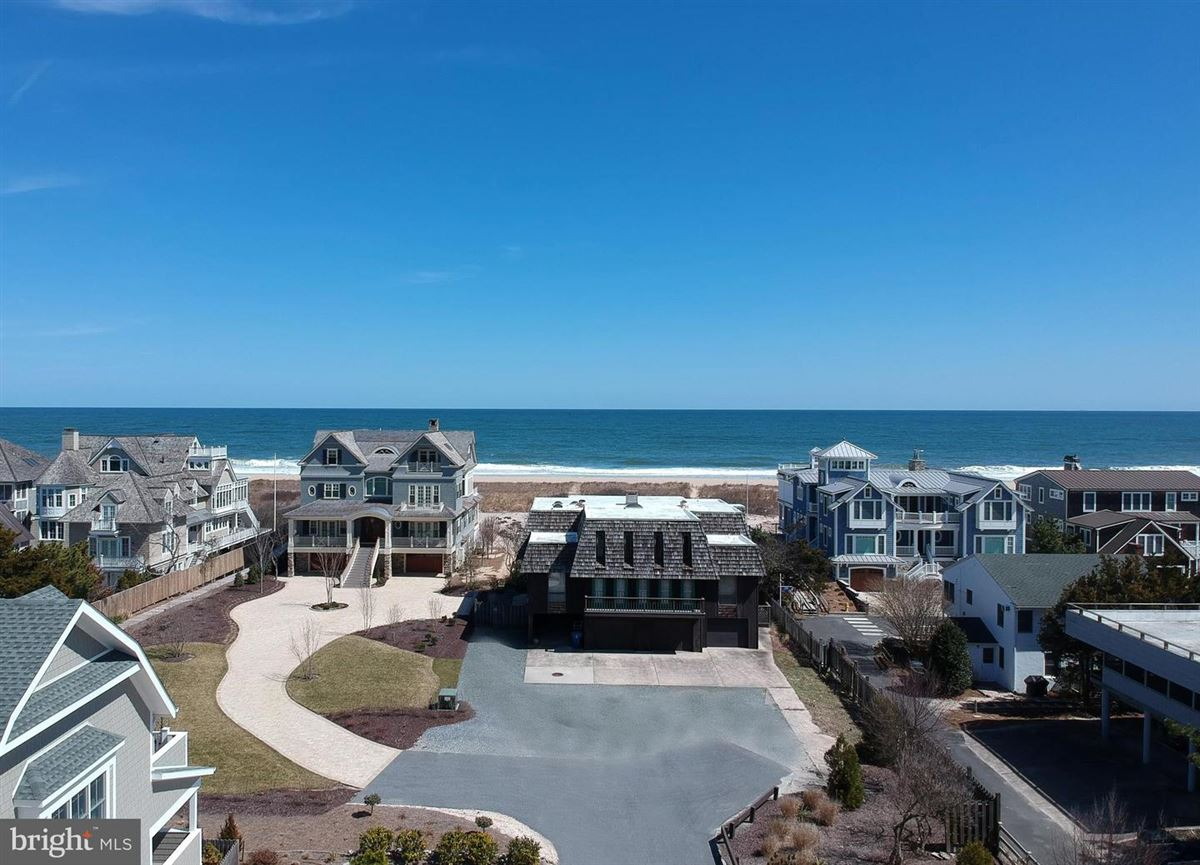 pristine Oceanfront property luxury homes