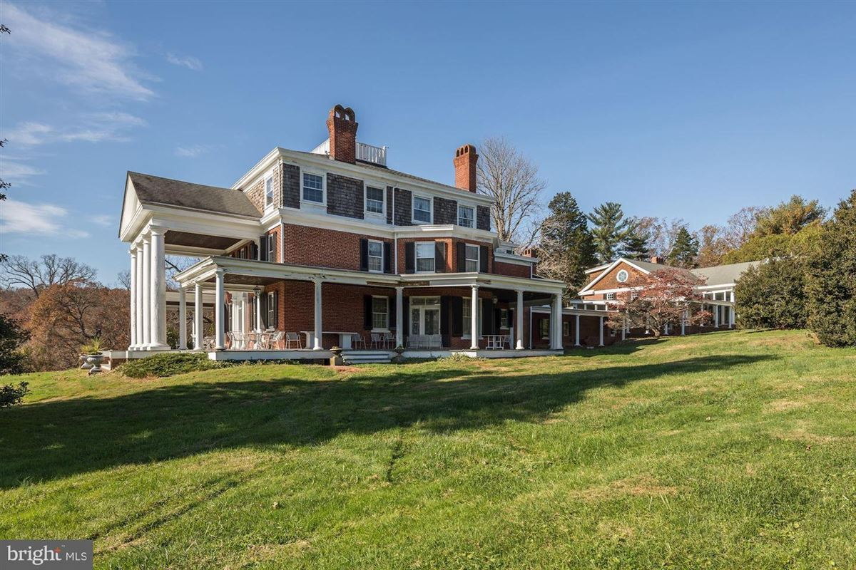 Culturally, historically, and architecturally significant luxury homes
