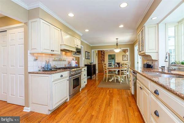 beautiful Colonial in a premier Devon location luxury homes