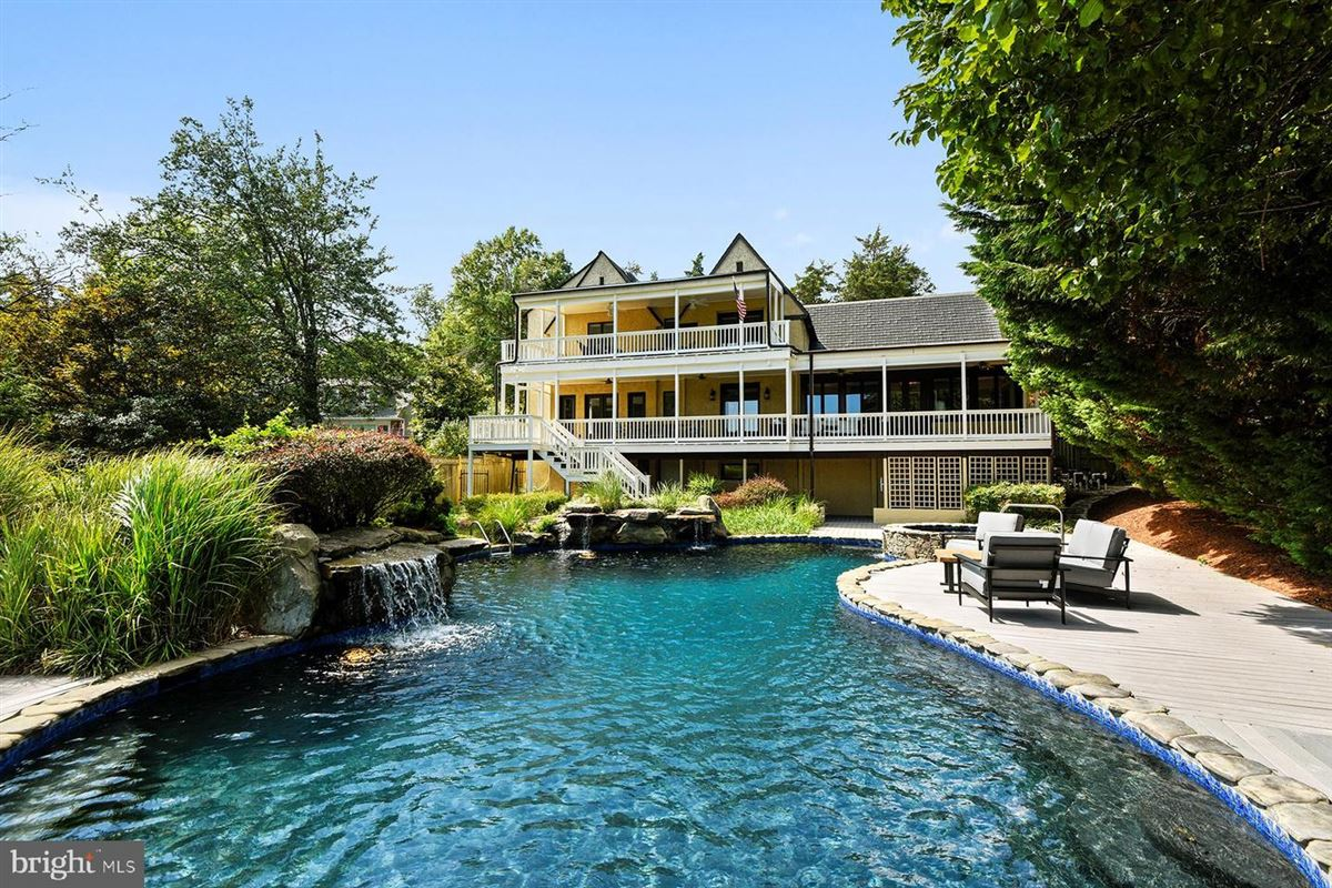 Live the luxe waterfront lifestyle luxury real estate