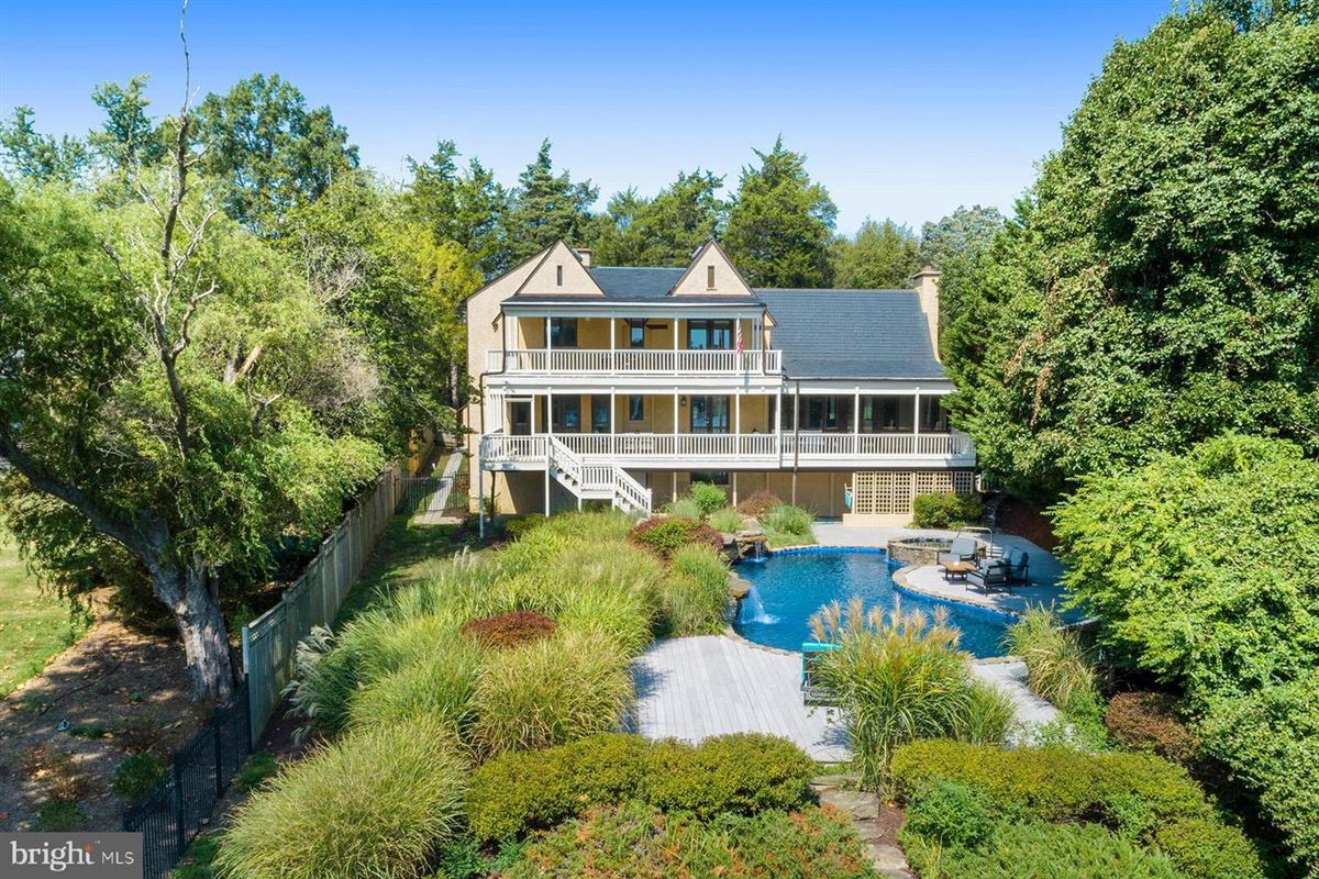 Live the luxe waterfront lifestyle luxury homes