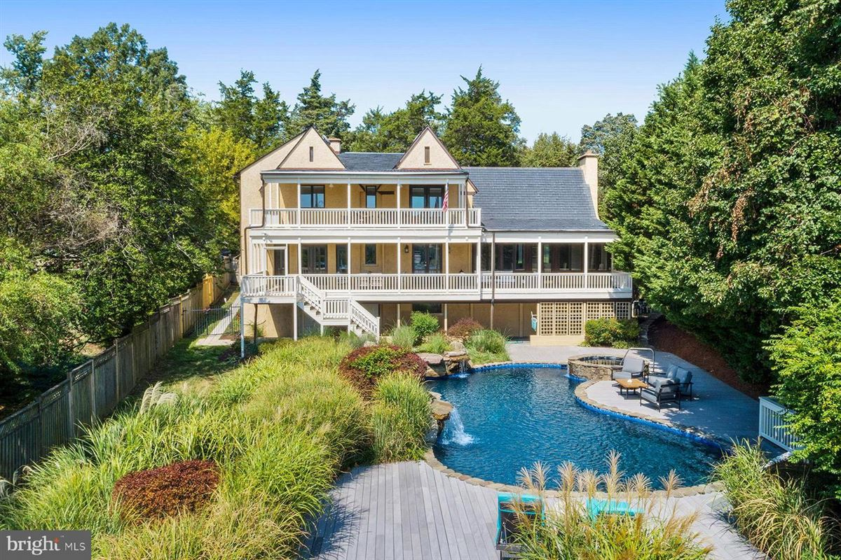 Luxury properties Live the luxe waterfront lifestyle