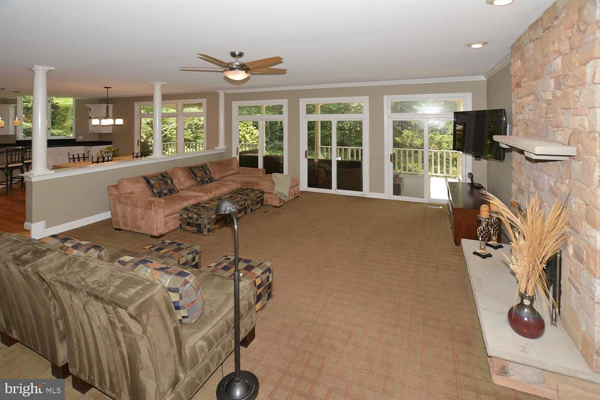 Mansions beautiful six bedroom in amazing location
