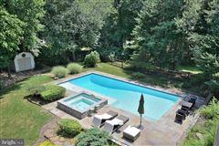 Luxury properties beautiful six bedroom in amazing location
