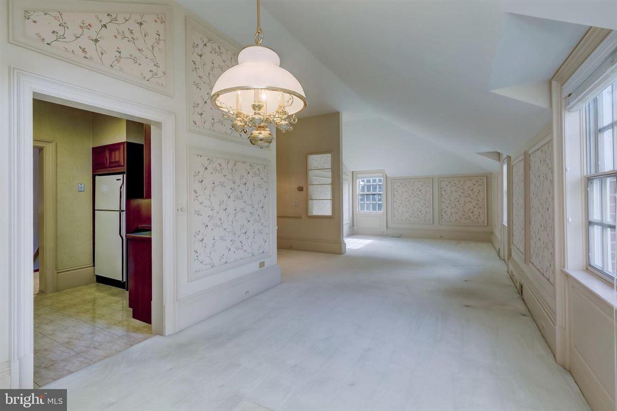 Exquisite custom built brick estate home on 49 acres mansions