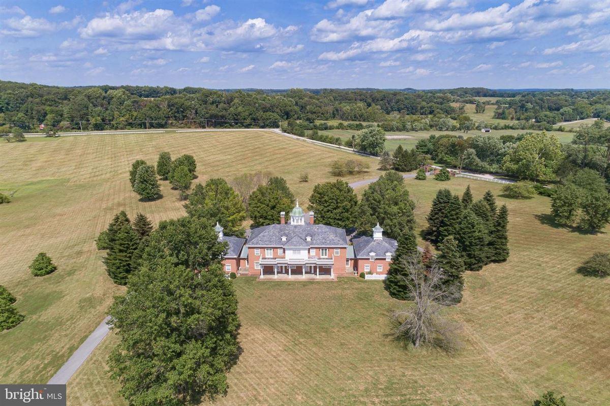 Mansions Exquisite custom built brick estate home on 49 acres