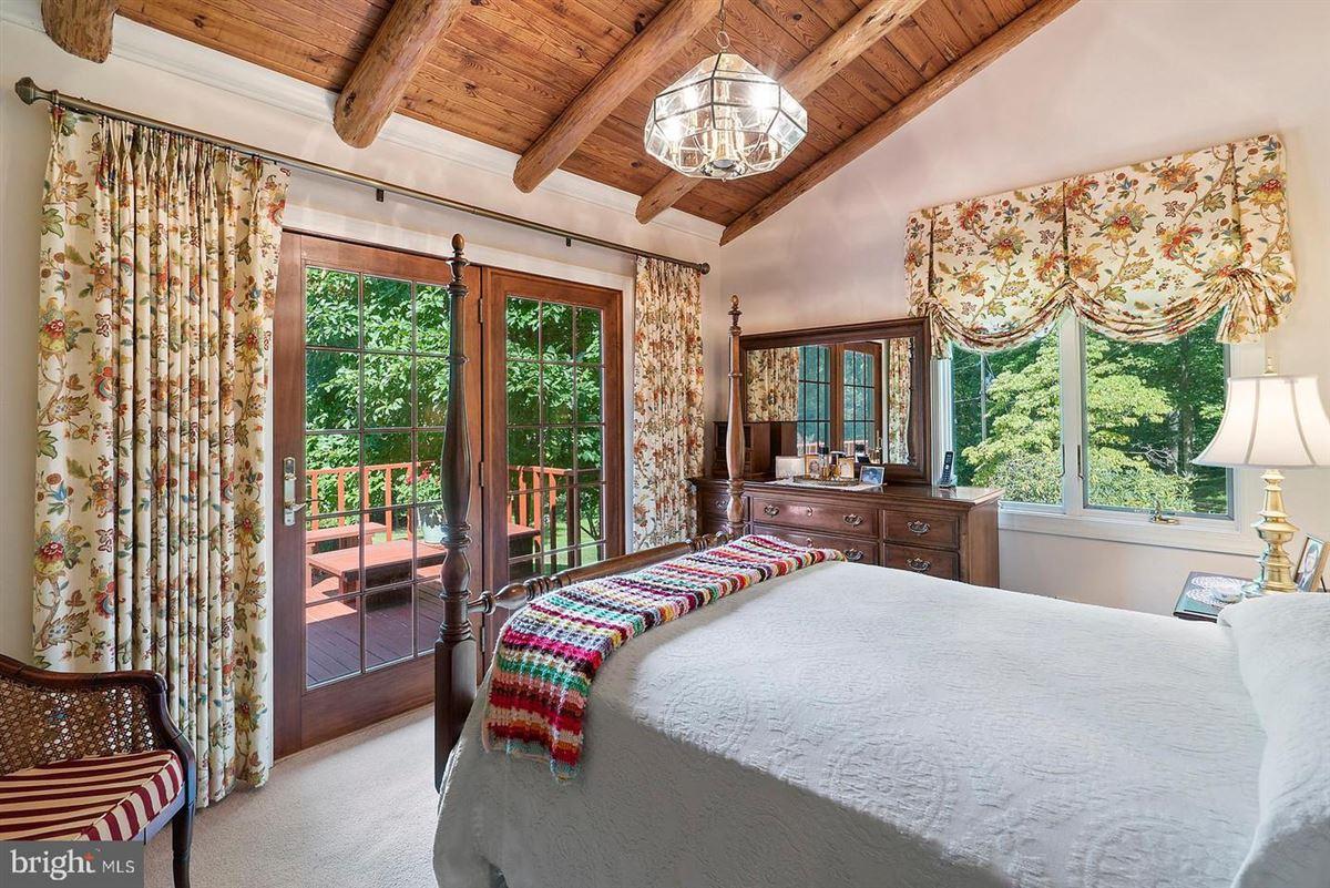 Luxury properties unique 59-acre property