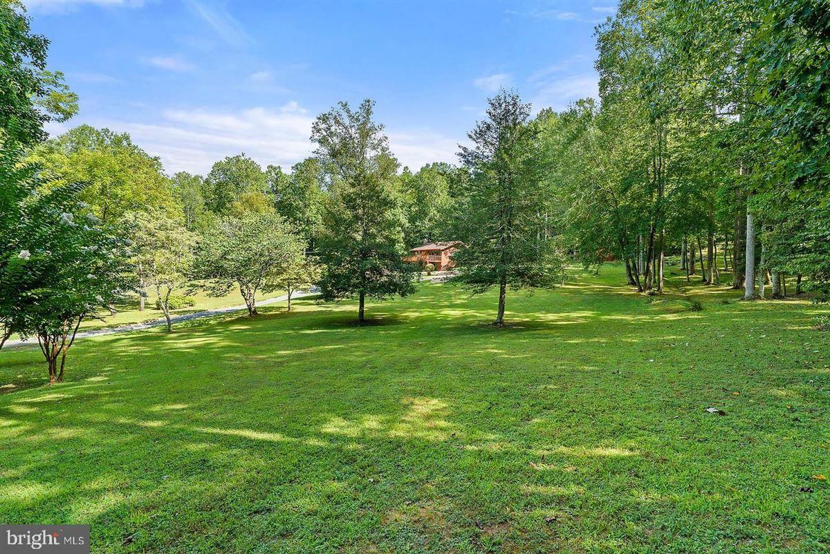 unique 59-acre property luxury homes