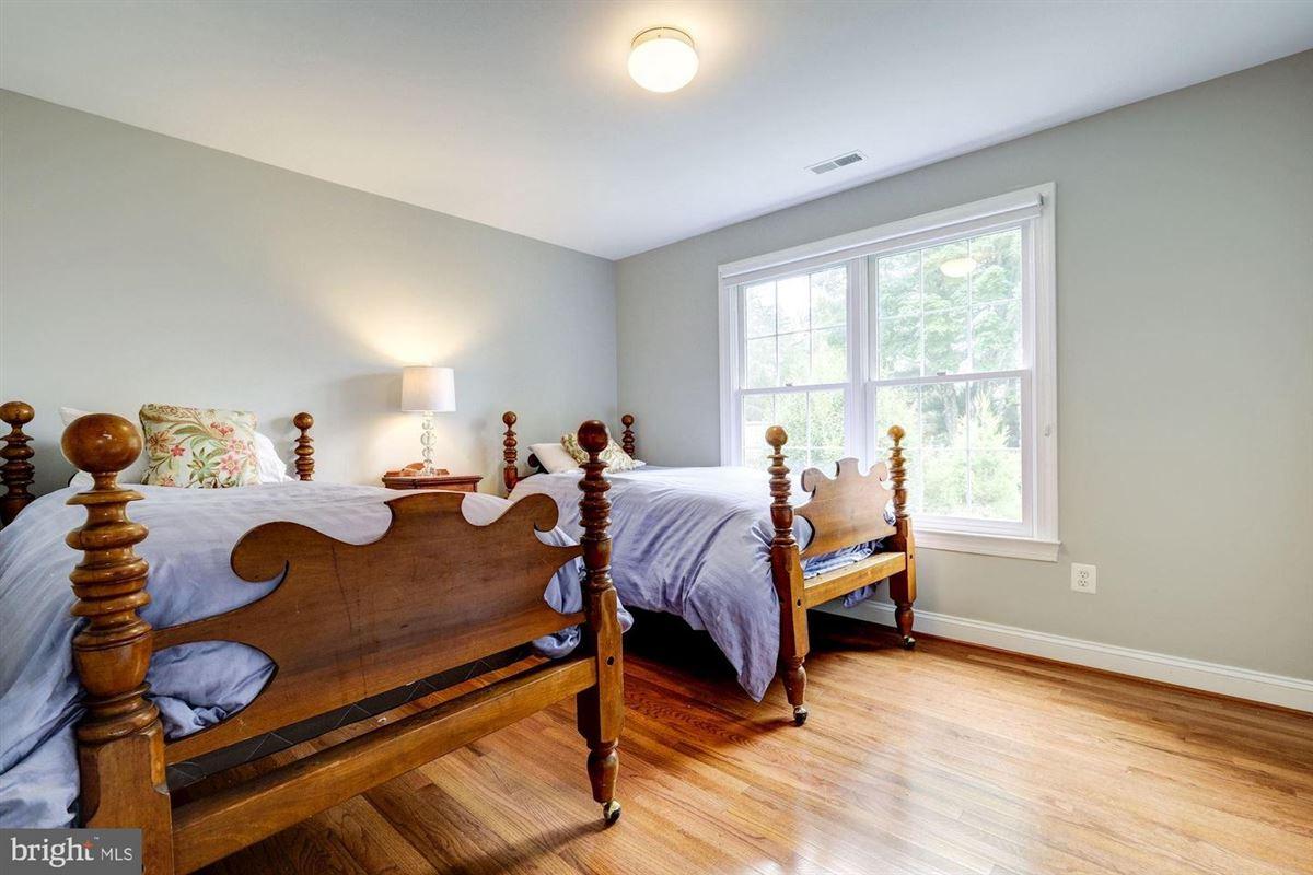 Luxury properties special home in cabin john
