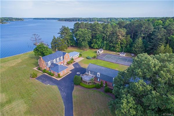 Luxury properties Highview Manor - legacy estate on the Piankatank River