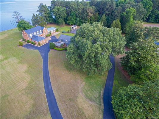 Highview Manor - legacy estate on the Piankatank River  luxury properties
