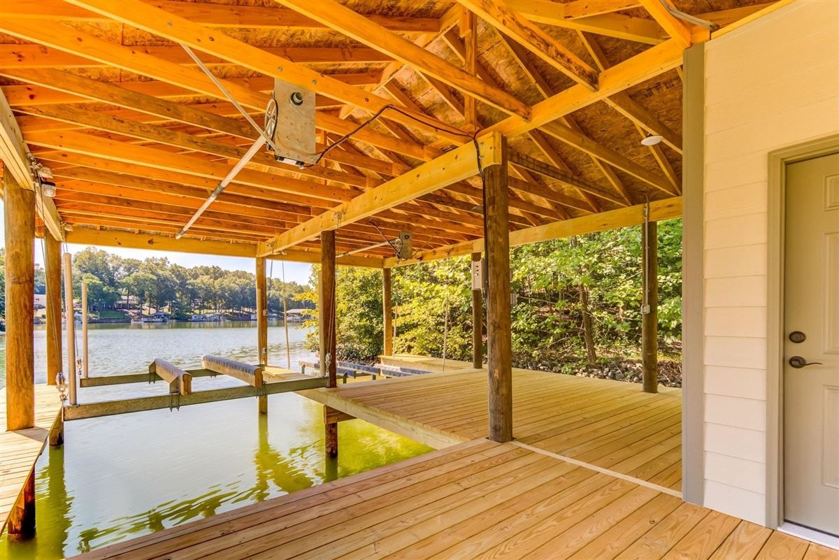 quality-built new waterfront home luxury properties