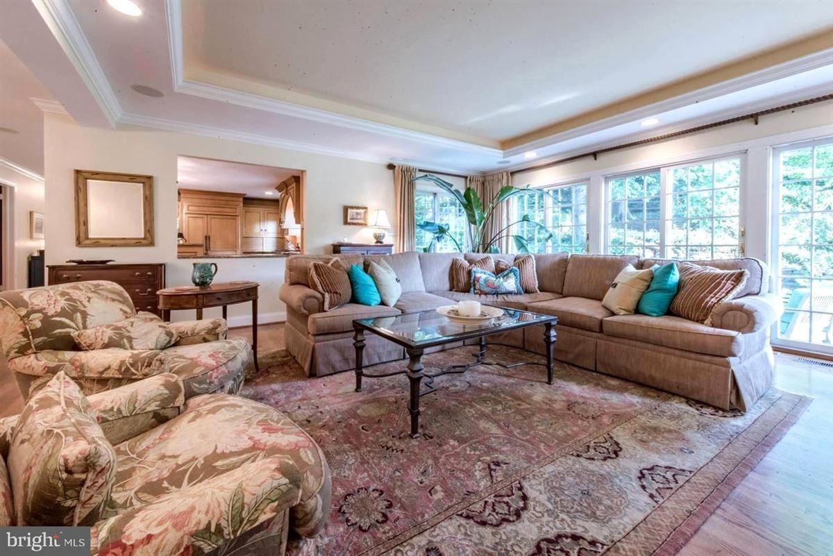 Luxury homes Truly an exceptional home in the heart of ruxton