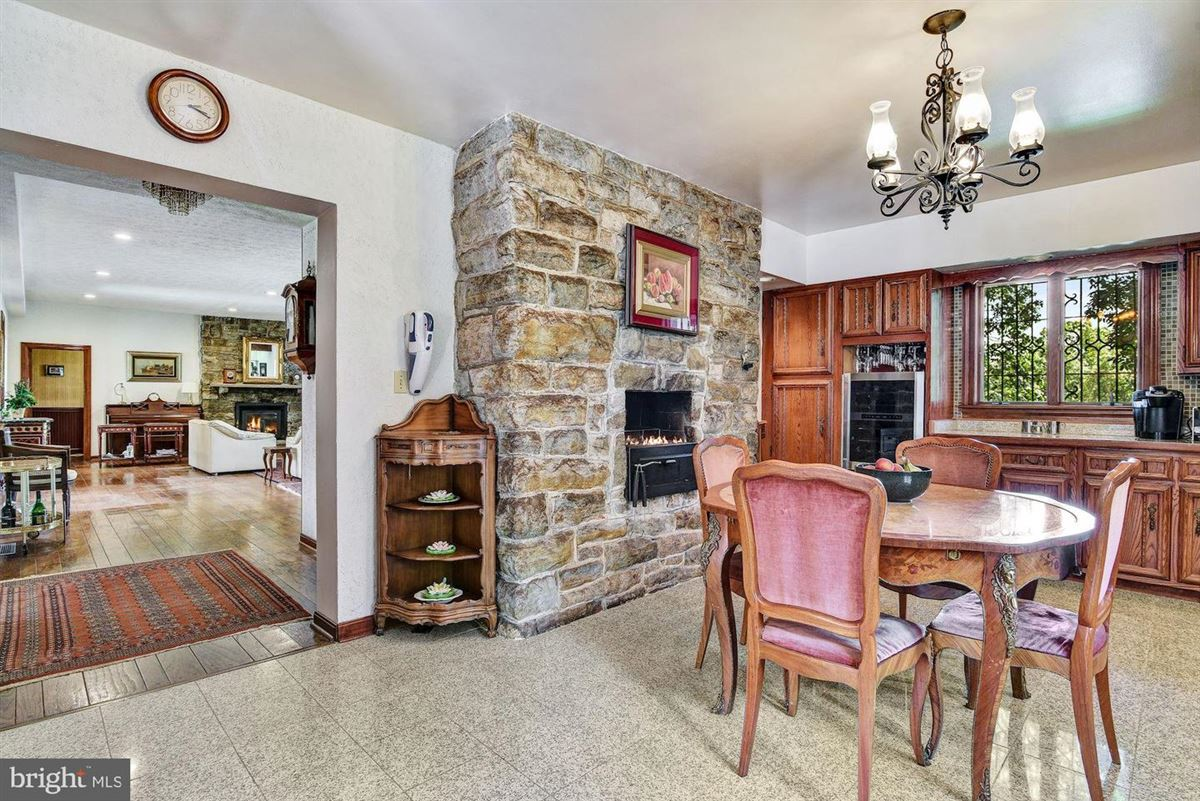 Luxury homes a perfect location in Towson