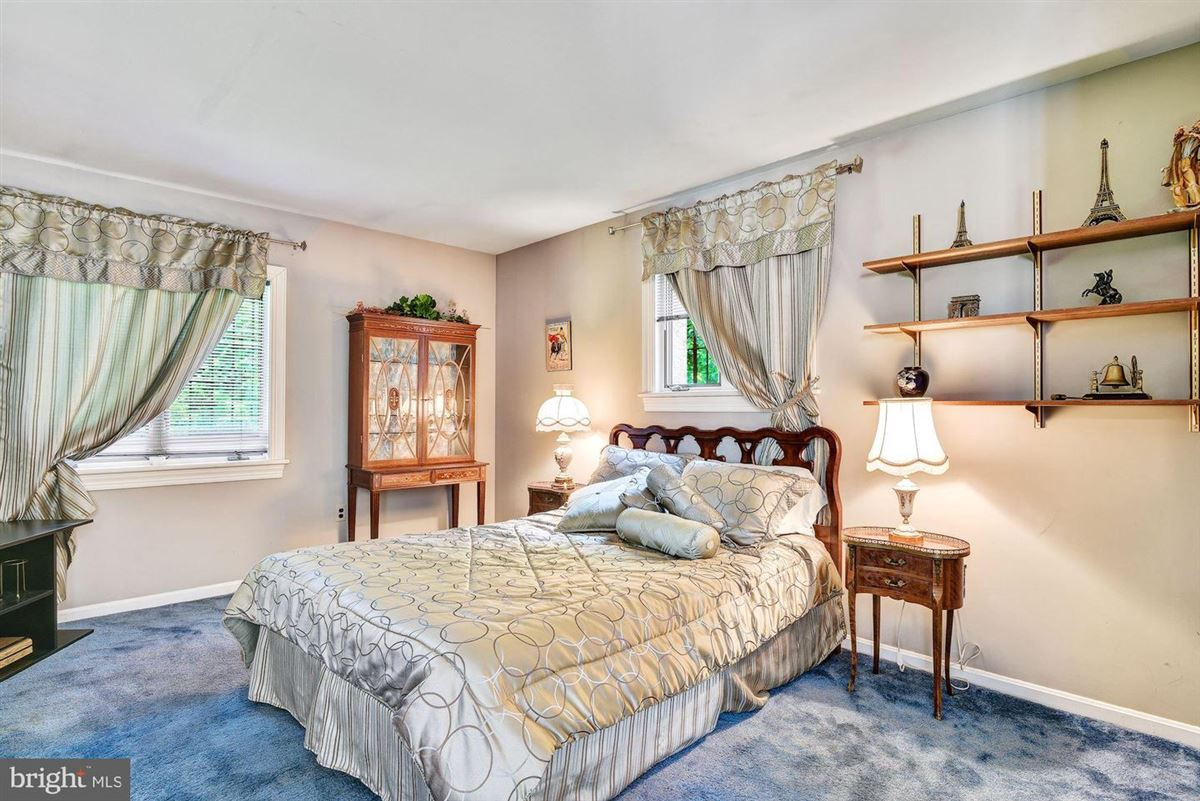 a perfect location in Towson luxury homes