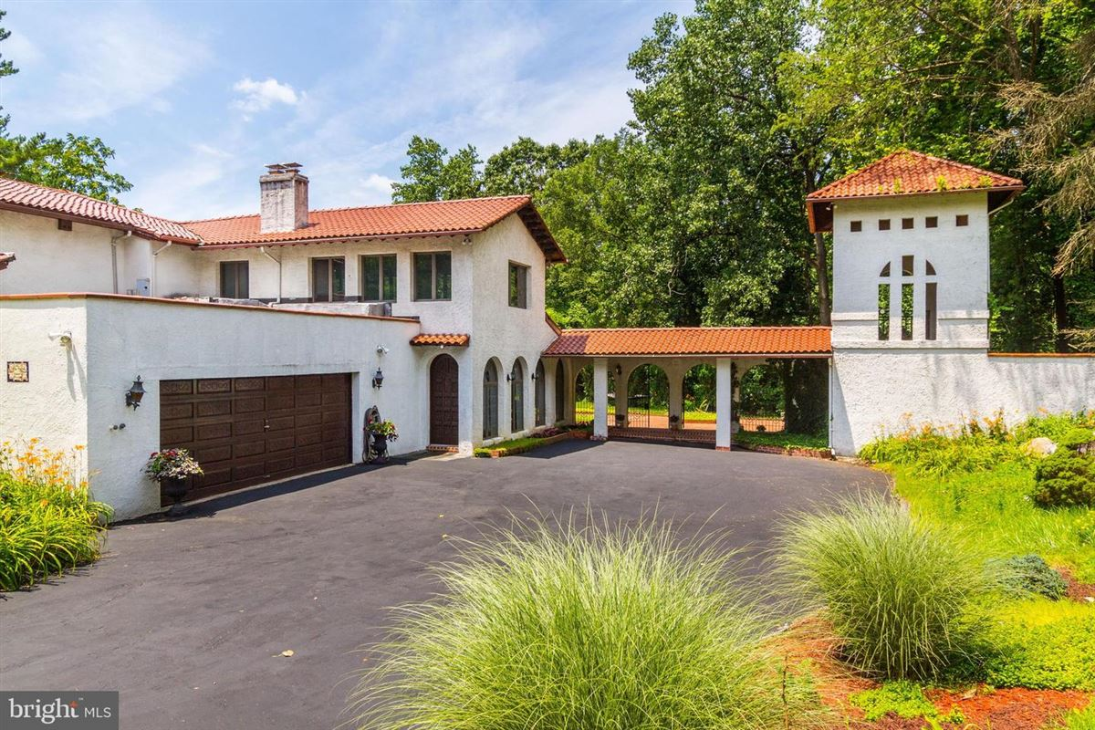 a perfect location in Towson luxury properties