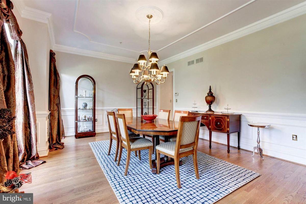 Luxury real estate Elegant andSpacious brick colonial in a prime location