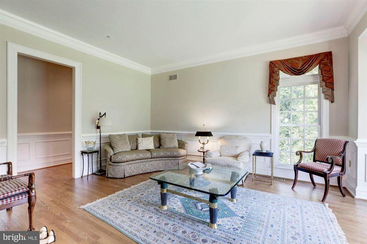 Elegant andSpacious brick colonial in a prime location mansions