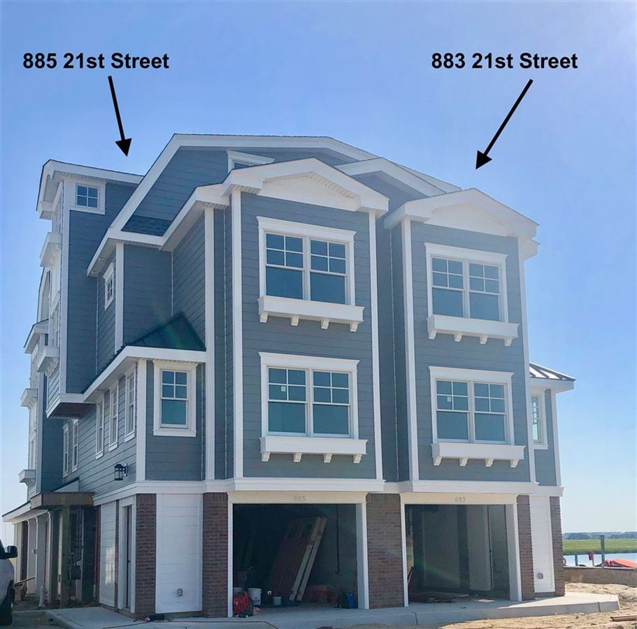 Luxury homes magnificent new waterfront townhome